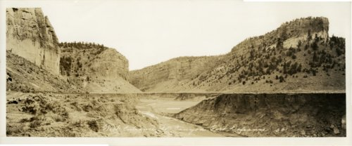 West entrance to canyon from Fort Defiance - Page