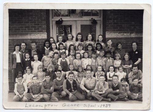 Lecompton Elementary School Students 1939, Lecompton, Kansas - Page
