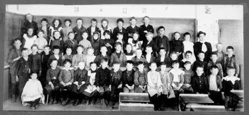 Class picture at a rural school in Wallace County, Kansas - Page