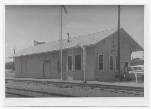 Atchison, Topeka & Santa Fe Railway Company depot, Lakin, Kansas - Page