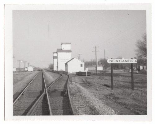 Union Pacific railroad tracks, New Cambria, Kansas - Page