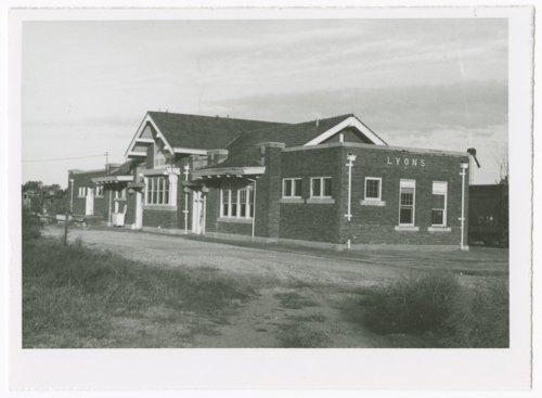 Atchison, Topeka & Santa Fe Railway Company and St. Louis- San Francisco Railway Company depot, Lyons, Kansas - Page
