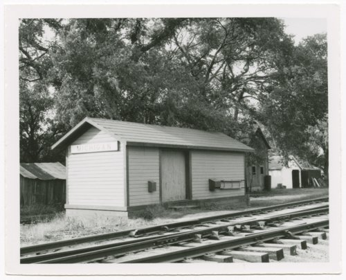 Box depot, Michigan Valley, Kansas - Page