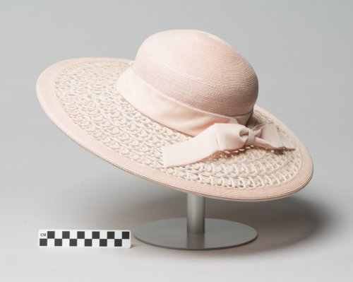 Woman's hat - Page
