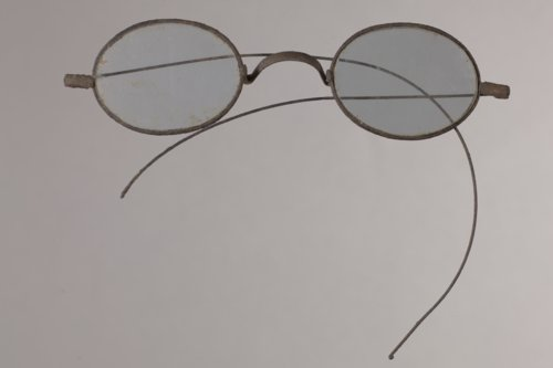 Spectacles from 14LN337 - Page