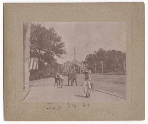 Independence Day street scene, Marion, Marion County, Kansas - Page