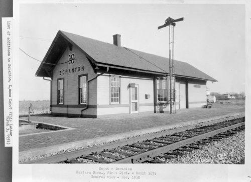 Atchison, Topeka & Santa Fe Railway Company depot, Scranton, Kansas - Page