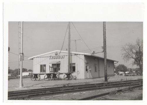 Atchison, Topeka & Santa Fe Railway Company depot, Fredonia, Kansas - Page