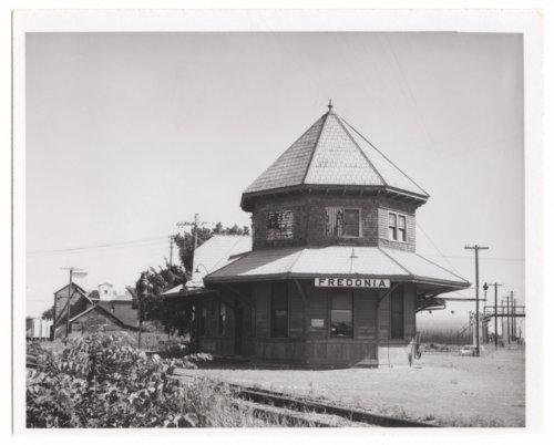 St. Louis-San Francisco Railway depot, Fredonia,Kansas - Page