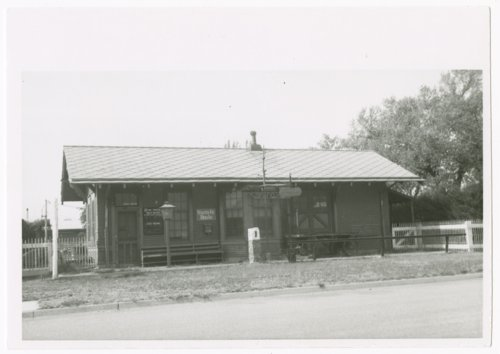 Atchison, Topeka and Santa Fe Railway Company depot, Sitka, Kansas - Page