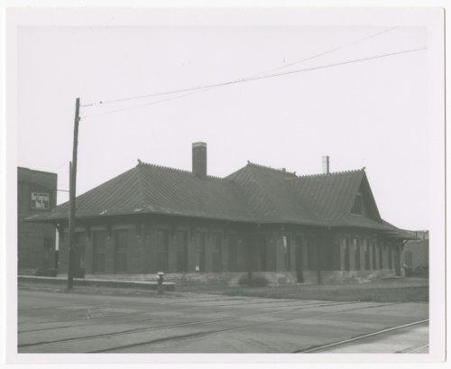 Chicago, Burlington & Quincy Railroad depot, Leavenworth, Kansas - Page