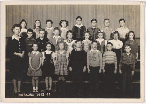 Roseland school class, Miami County Kansas - Page
