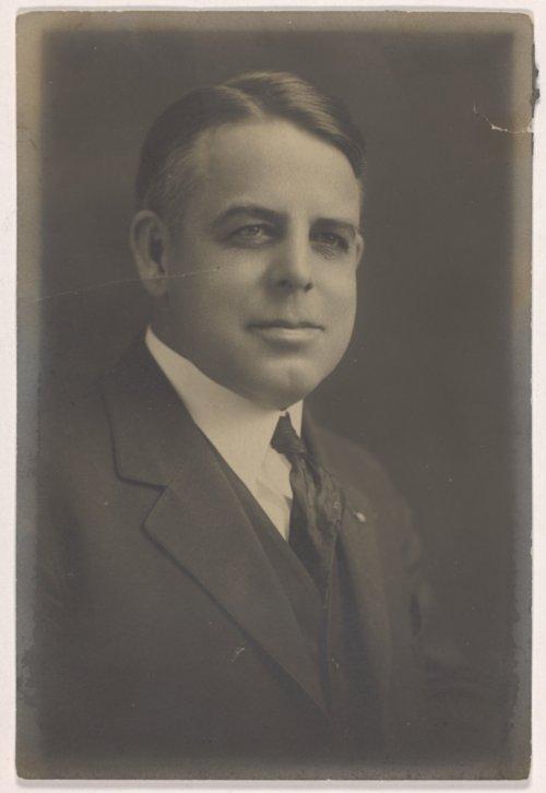 Walter Stippich portrait - Page