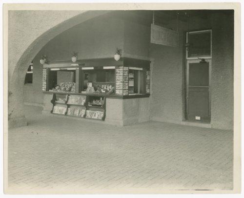 Atchison, Topeka & Santa Fe Railway Company depot & Fred Harvey Sequoyah Hotel, Syracuse, Kansas - Page