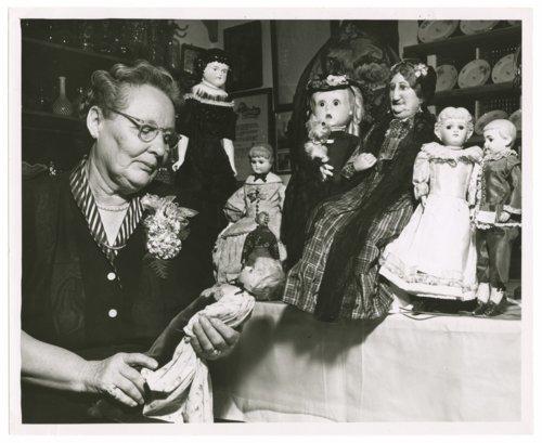Kuska doll collection, Colby, Thomas County, Kansas - Page