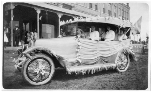 Decorated car at the I.O.O.F. convention in Colby, Thomas County, Kansas - Page