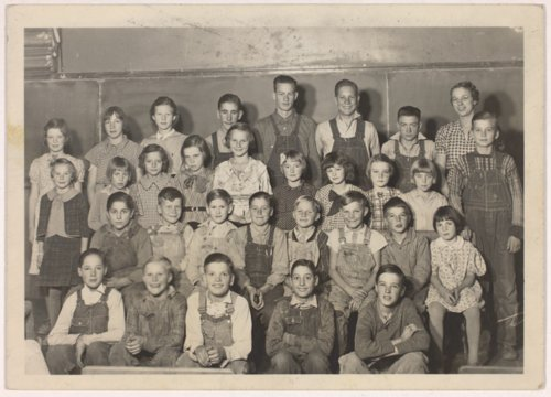 Evalyn Josephine Livingston Maxson teaching at Burr Oak School in Doniphan County, Kansas - Page