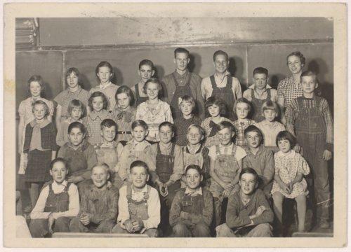 Evalyn Josephine Livingston Maxson teaching at Burr Oak School in Doniphan County, Kansas - Page
