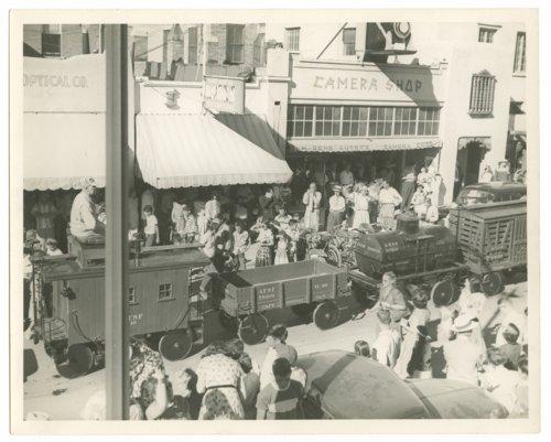 Atchison, Topeka & Santa Fe miniature train - Page