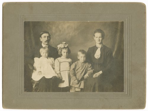 Alexander Staerkel and Johanna Henke Staerkel with their children - Page