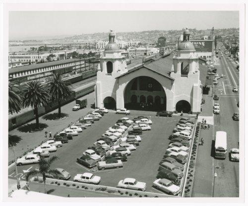 Atchison, Topeka & Santa Fe Railway Company depot, San Diego, California - Page