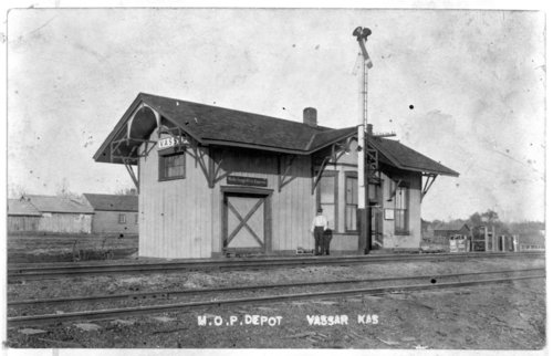 Missouri Pacific Railroad depot Vassar, Kansas - Page