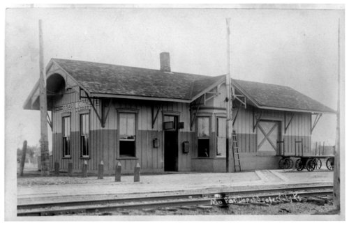 Missouri Pacific Railroad depot, Osage City, Kanas - Page