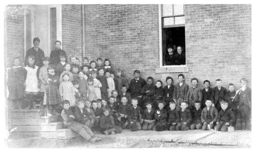 Elementary school class picture, Neodesha Grade School, Wilson County, Kansas - Page