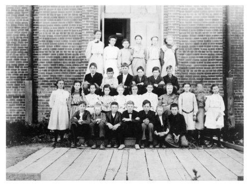 Members of Miss Edna Peterson's grade school class, Colby, Thomas County, Kansas - Page