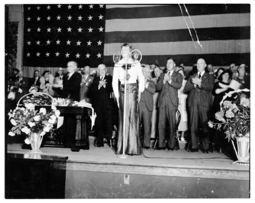 Amelia Earhart at a homecoming celebration in Atchison, Kansas - Page