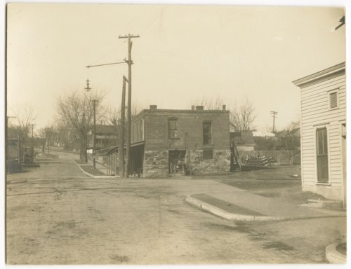 Cherokee Street and Atchison, Topeka, and Santa Fe railraod crossing, Leavenworth, Kansas - Page