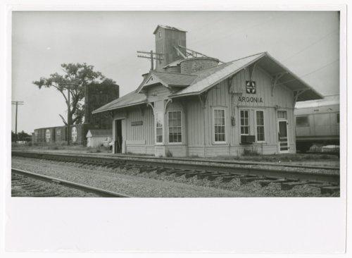Atchison, Topeka and Santa Fe Railway Company depot, Argonia, Kansas - Page