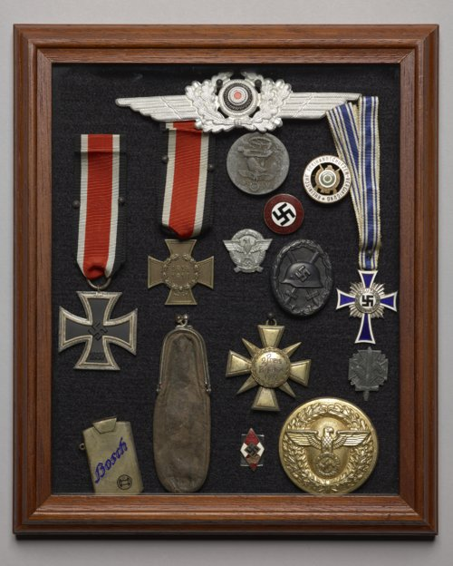 Assemblage of Nazi medals - Page