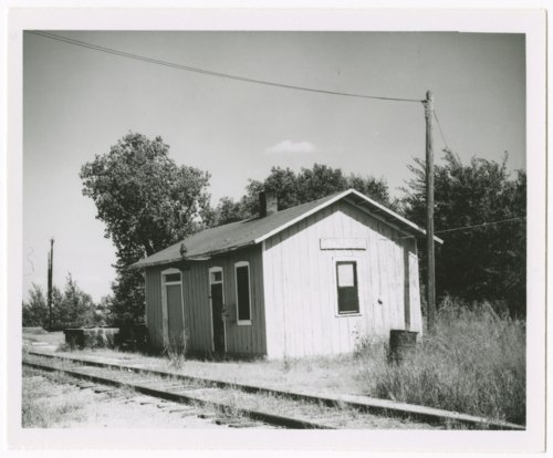 St. Louis-San Francisco Railway depot, Strauss, Kansas - Page
