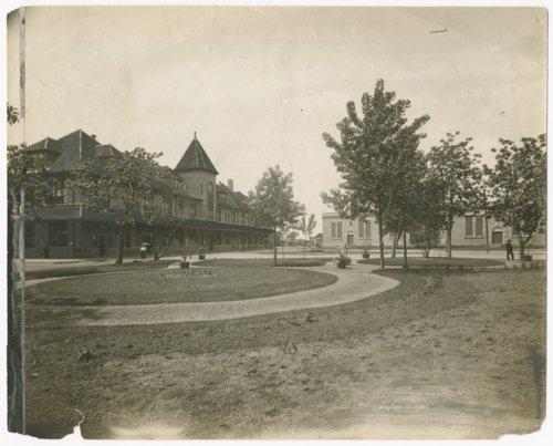 Missouri-Kansas-Texas Railroad depot, Parsons, Kansas - Page