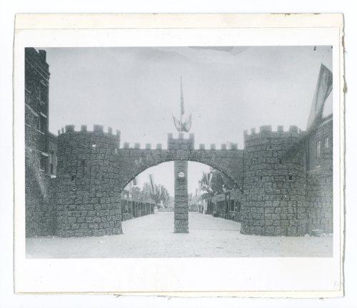 Kaffirville arch, El Dorado, Butler County, Kansas - Page