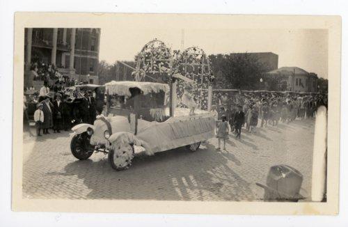Automobile float with trellis at the Kaffir Corn Carnival Parade, El Dorado, Kansas - Page