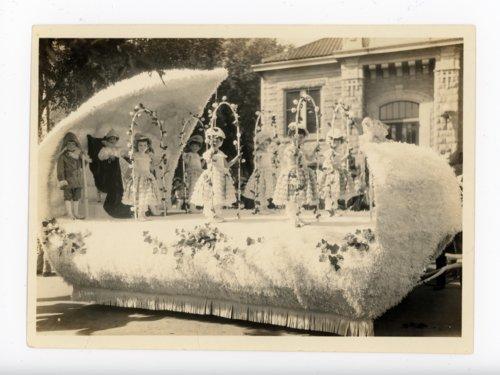 Baby Kaffir Queen float, Kaffir Corn Carnival Parade, El Dorado, Kansas - 02 - Page