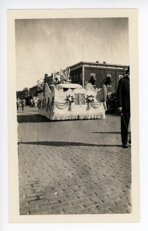 Kaffir Corn Queen float, Kaffir Corn Carnival Parade, El Dorado, Butler County, Kansas - Page