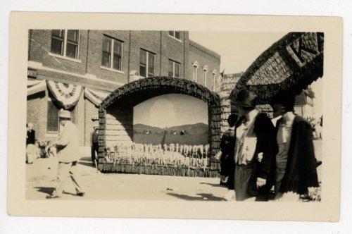 Kaffir field diorama, Kaffir Corn Carnival, El Dorado, Butler County, Kansas - Page