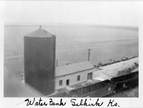 Missouri Pacific Railroad water tower, Selkirk, Kansas - Page