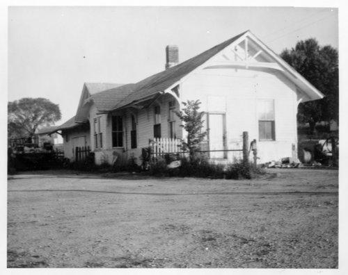 Leavenworth, Kansas & Western Railroad Company and Union Pacific Railroad Company depot, Holton, Kansas - Page