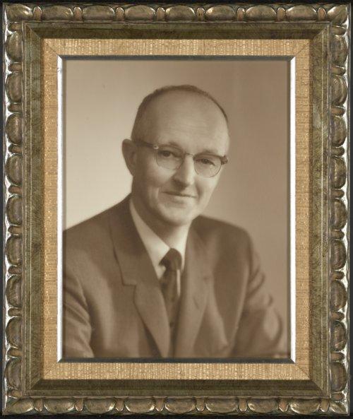 Mark Loren Morris, Sr., DVM - Page
