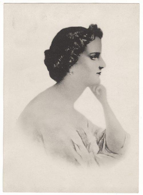 Kate Edwards Swayze portrait