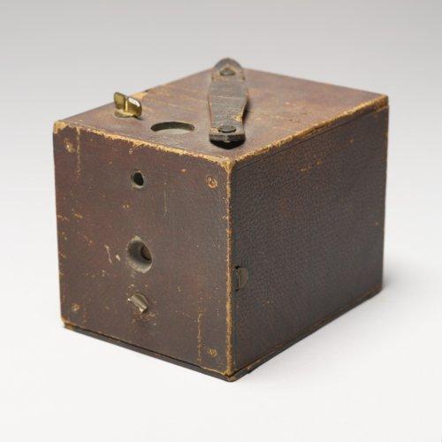 Box camera - Page