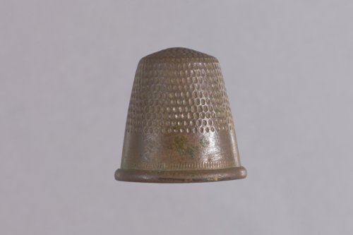 Thimble from the Plaster House, 14GY307 - Page