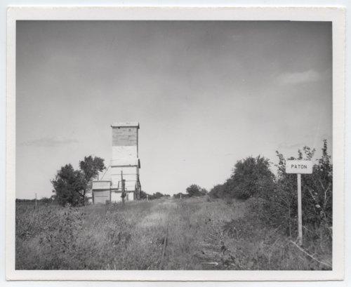 Texas & Pacific Railway Company & Midland Valley Railroad Compay sign board, Paton, Kansas - Page