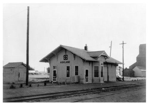 Atchison, Topeka & Santa Fe Railwaly Company depot, Ashland, Kansas - Page