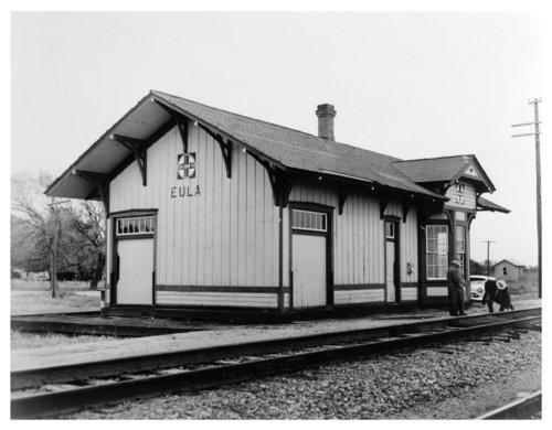Atchison, Topeka & Santa Fe Railway Company depot, Eula, Kansas - Page