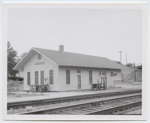 Atchison, Topeka and Santa Fe Railway Company depot, Gardner, Kansas - Page